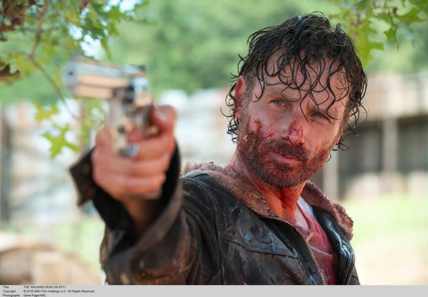 """Andrew Lincoln, dans la peau de Rick Grimes, lutte contre les zombies et le terrible Negan dans """"The Walking Dead"""""""