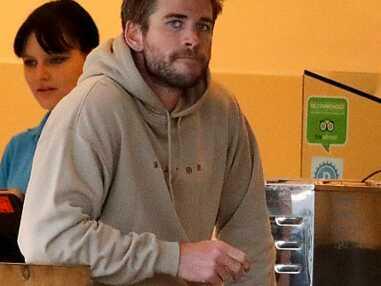 PHOTOS - Liam Hemsworth, déconfit depuis son divorce avec Miley Cyrus