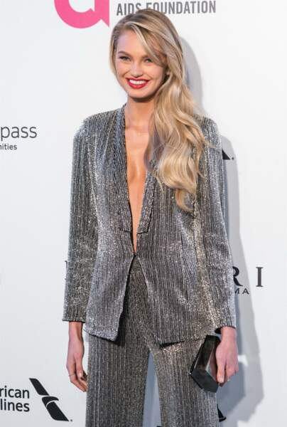 Sublime side-hair pour Romee Strijd.