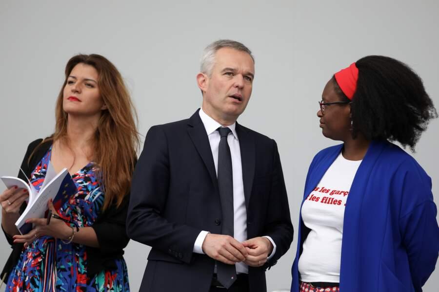 """Sibeth Ndiaye arborait un t-shirt avec l'inscription suivante : """"Tous les garçons et les filles"""""""
