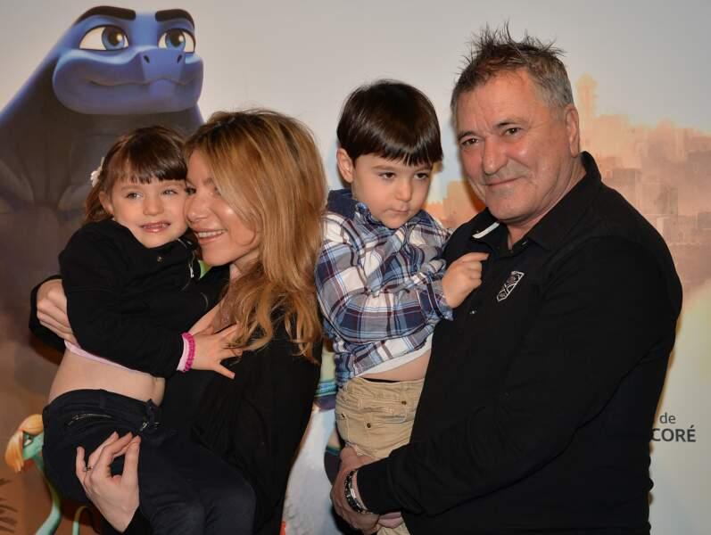 Jean-Marie Bigard et sa femme Lola, s'offrent une sortie avec leurs jumeaux