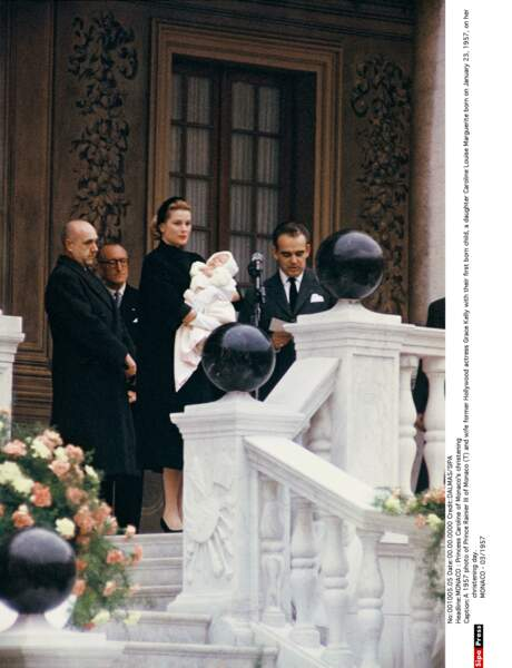 Le prince Rainier et la princesse Grace lors du baptême de Caroline de Monaco, le 23 janvier 1957