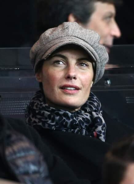 Alessandra Sublet et sa casquette gavroche, lors d'un match de football à Paris en 2014