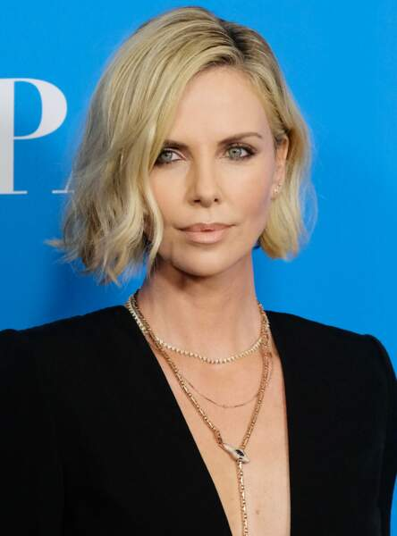 Le carré wavy comme Charlize Theron