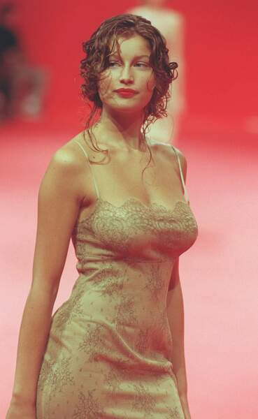 Laetitia Casta sur un défilé Lolita Lempicka en 1997