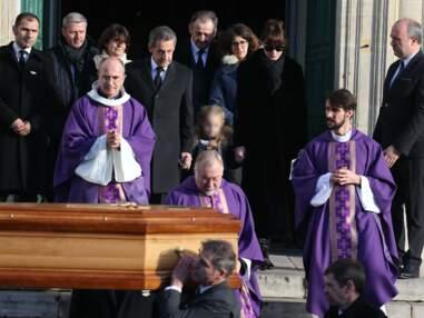 Nicolas Sarkozy entouré de ses proches aux obsèques de sa mère Andrée
