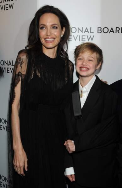 Shiloh Jolie-Pitt, ici en janvier 2018, accompagne souvent sa mère sur les tapis rouge... habillée d'un smoking