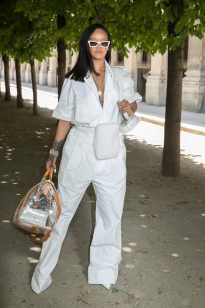 Comme Rihanna au défilé Louis Vuitton by Virgil Abloh, on ose le maxi sac en 2019.