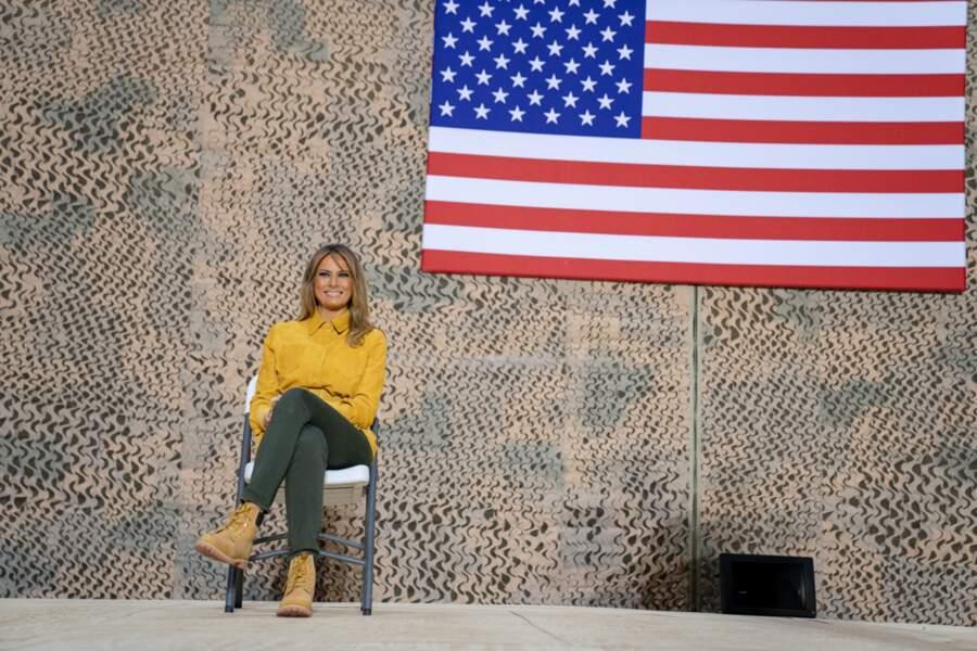 Melania Trump en veste Victoria Beckham et boots Timberland, sur la base Al-Asad en Irak, le 26 décembre 2018
