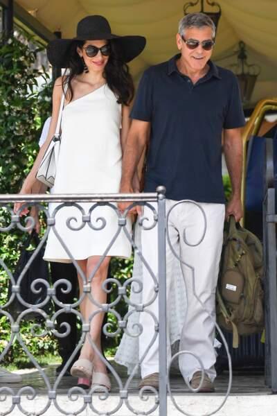 Amal Clooney a été aperçue au bras de George Clooney à Venise, ce jeudi 27 juin