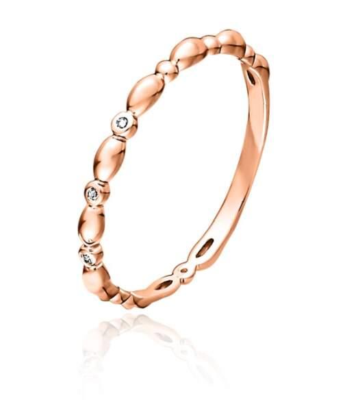 Alliance en or rose et diamants, 180 € (Guérin Joaillerie)