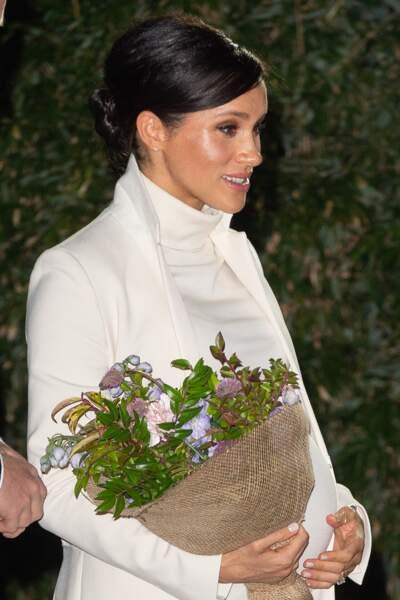 Un vernis clair pour Meghan Markle comme le recommande la reine Elizabeth