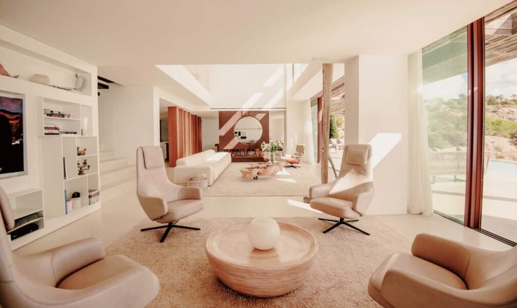 Pour les jours de pluie ou venteux, le couple Sussex et leur fils bénéficiaient d'un salon intérieur