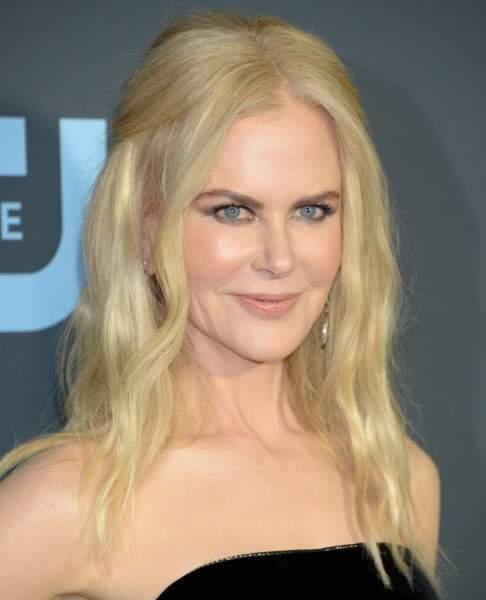 Nicole Kidman passe au platine jusqu'aux racines