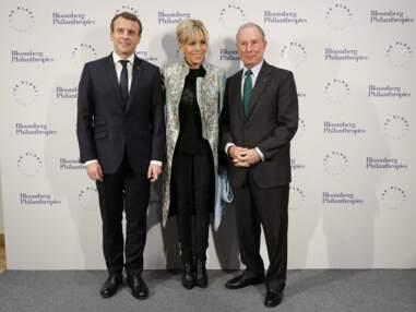 Brigitte Macron porte son manteau Louis Vuitton en plusieurs couleurs