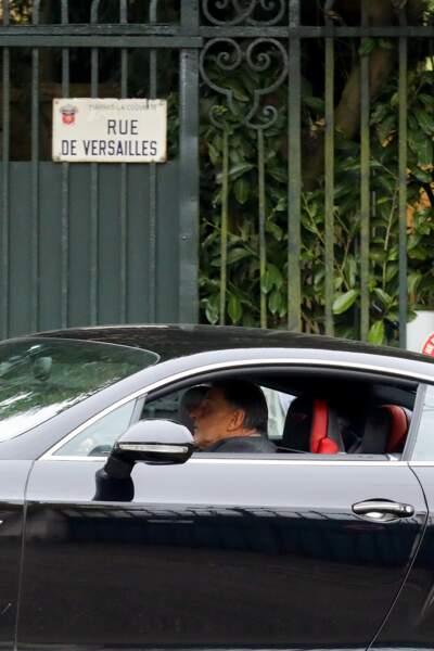 Jean-Claude Camus à Marnes-la-Coquette, après la mort de Johnny Hallyday