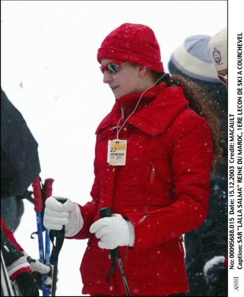 S.A.R Lalla Salma a sa 1ère leçon de ski à Courchevel le 15 décembre 2003