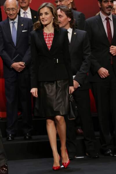 Letizia dévoile des escarpins rouge carmin