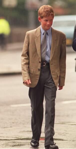 Le prince Harry à 14 ans, brillant collégien scolarisé à Eton en 1998