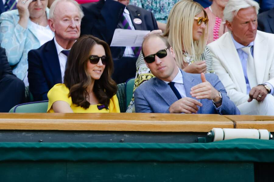 Kate Middelton radieuse en robe jaune et amoureuse avec le prince William