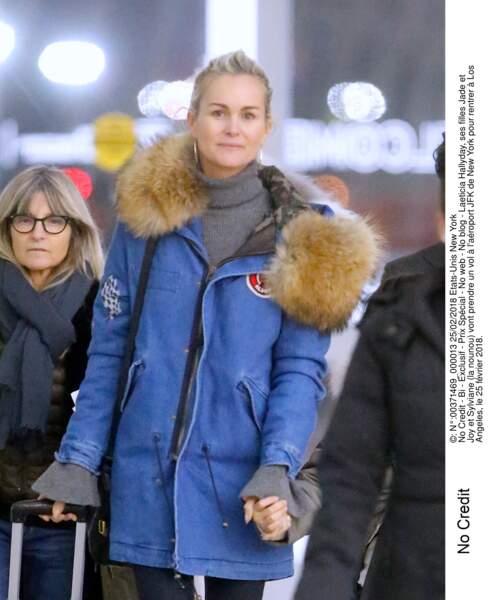 Laeticia à l'aéroport JFK de New York le 25 février 2018: Sylvie Vartan a pris parti pour David et Laura.