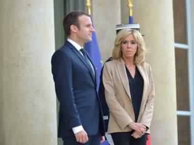 PHOTOS - Emmanuel et Brigitte Macron complices et tout sourire pour accueillir le premier ministre australien à l'Élysée