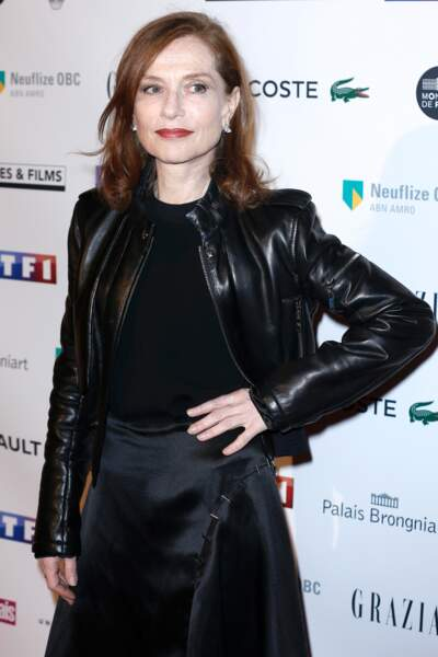"""Isabelle Huppert sacrée """"personnalité de l'année 2016"""" à la 24ème cérémonie des """"Trophées du Film Français"""""""