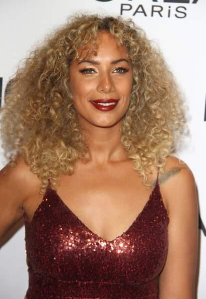 Leona Lewis, blonde et toute en boucles