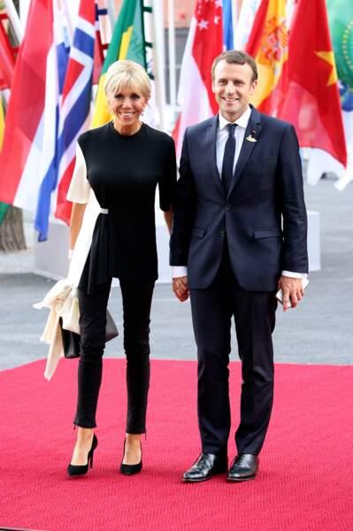 7 juillet 2017 :  Brigitte Macron en noir et blanc à Hambourg