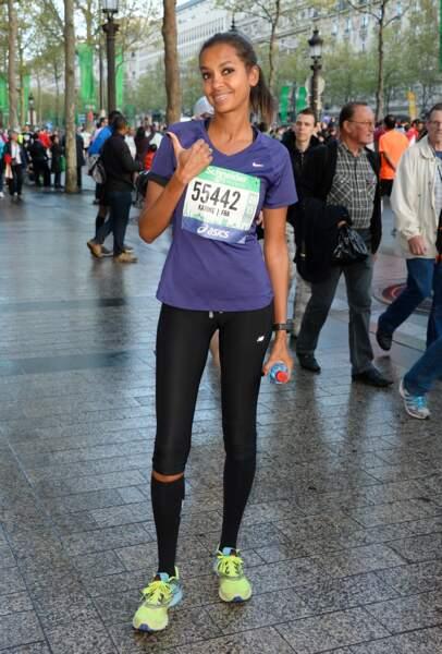 2014 : vrai sportive, Karine Le Marchand court tout le temps et participe au semi-marathon de Paris