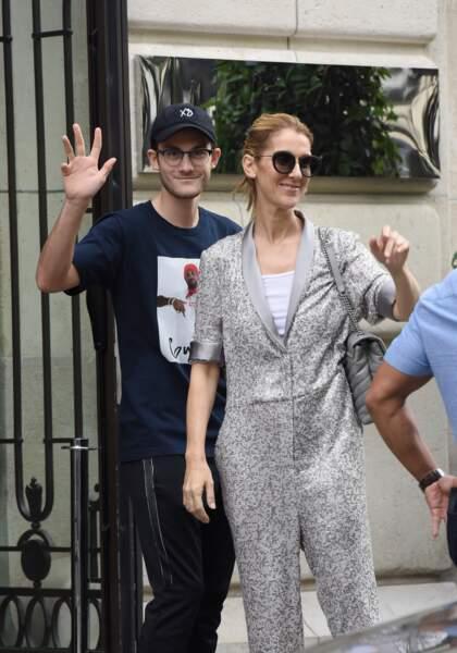 Céline Dion et René Charles à la sortie du Royal Monceau le 19 juille 2017 à Paris