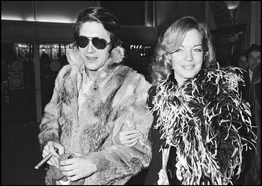 """Jacques Dutronc et Romy Schneider à la première de """"L'important c'est d'aimer"""" à Paris en 1977"""