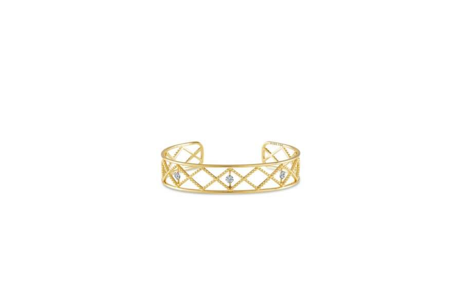 ORIENTAL, manchette en or jaune perlé et diamants. Sarlane, 3 590 €.