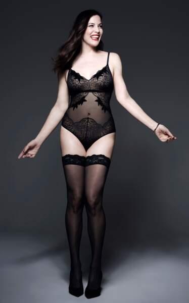 Liv Tyler une jeune maman décomplexée au corps mis en valeur par de la belle lingerie