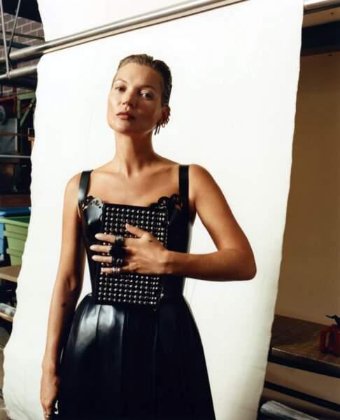 A 45 ans, Kate Moss signe son grand retour dans la mode comme ici chez Alexander McQueen.