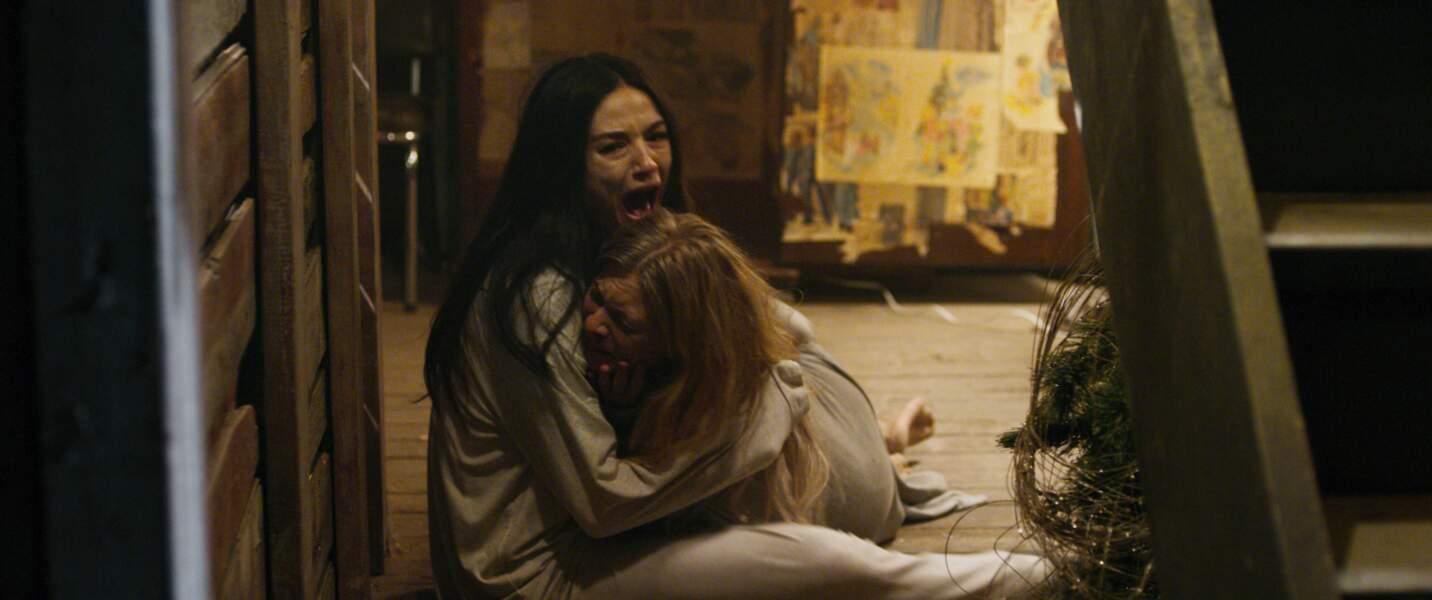Comme dans un mauvais cauchemar, l'horreur vient à nouveau frapper dans la seconde moitié du long-métrage