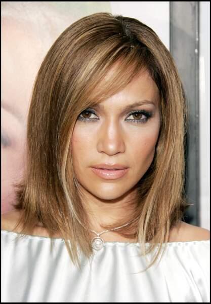 Jennifer Lopez  carré plongeant pour Monster in law
