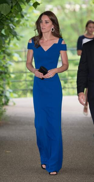 Kate Middleton en Roland Mouret le 9 juin 2016
