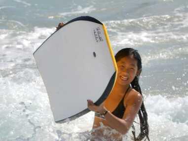 Photos - Jade et Joy Hallyday : elles retrouvent le sourire sur la plage de St-Barth