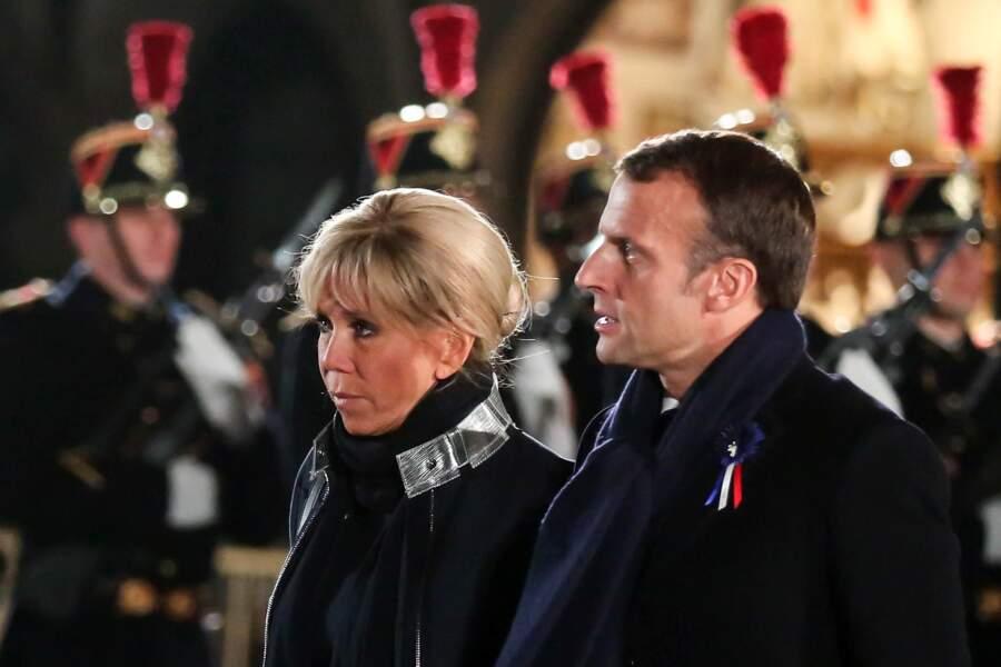 Le couple présidentiel commémore le centenaire de l'armistice de la Première Guerre mondiale, complices.
