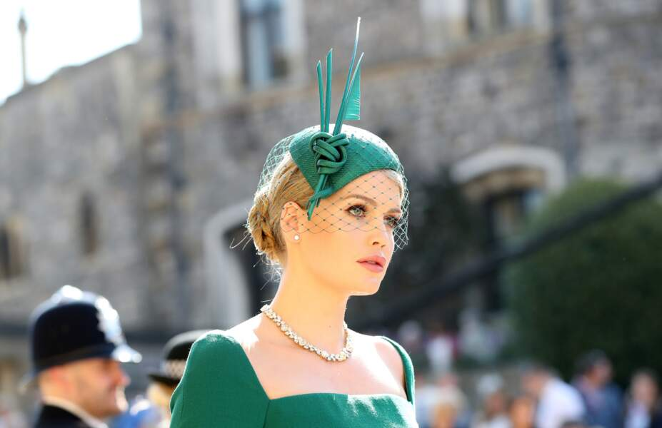 Lady Kitty Spencer sublime au mariage de Meghan et Harry le 19 mai 2018