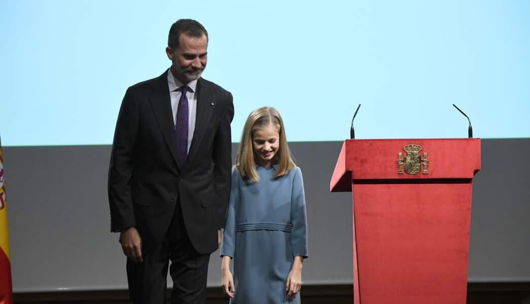 Leonor et son papa Felipe, elle a livré son premier discours public le 31 octobre 2018 pour ses 13 ans