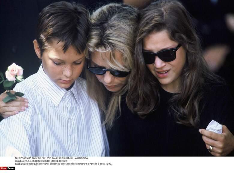 France Gall, sa fille Pauline et son fils Raphael lors des obsèques de Michel Berger en 1992