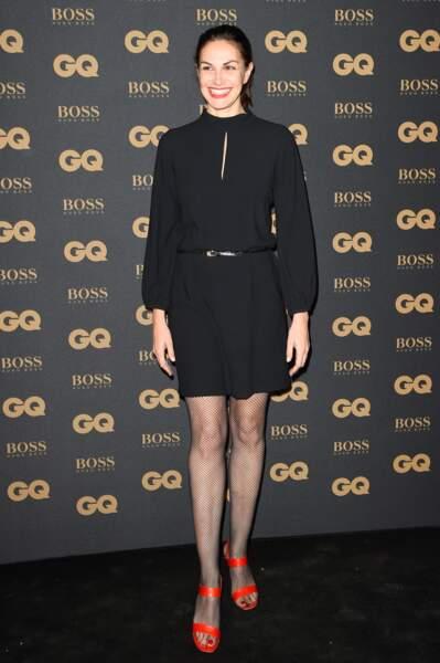 L'actrice Helena Noguerra canon en robe noire et escarpins rouge