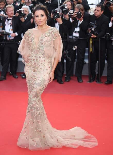 Eva Longoria, en robe Marchesa, bijoux Lorraine Schwartz