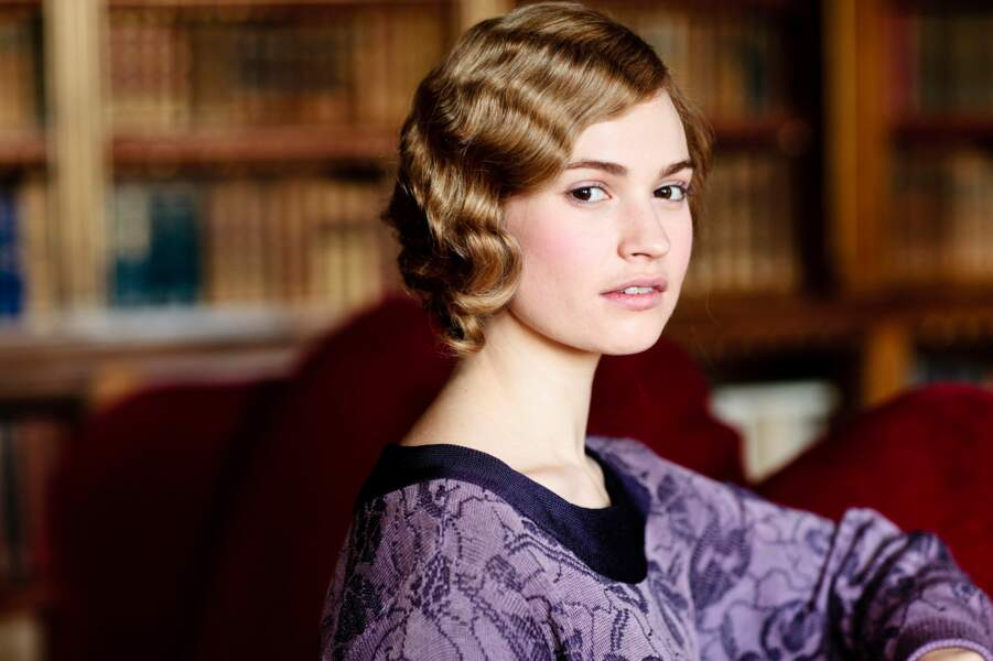 Lily James incarne Lady Rose MacClare dans la série Downton Abbey