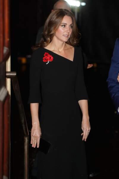 Kate Middleton arrive à un concert commémorant l'armistice de 1918 à Londres ce samedi 10 novembre.