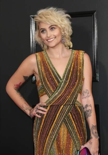Paris Jackson blond platine et frisé sauvage pour la fashion week de new York