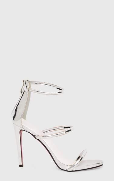Sandales à talon argentées, 35 €, Pretty Little Thing.