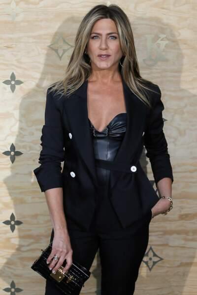 Jennifer a apporté un côté rock et sexy à la présentation